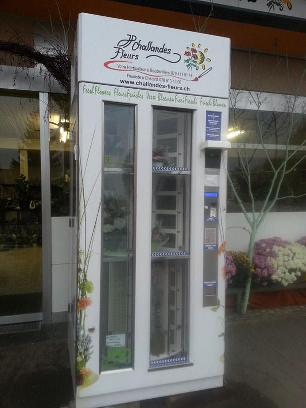 Blomsterautomaten.dk – Naturaè med karrusel, der kan rumme 18-24 buketter